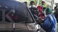 Ini cara mendapatkan vaksinasi Covid-19 drive thru gratis bagi lansia di Jakarta