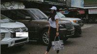 Gaya Aura Kasih saat pergi ke bengkel mobi jadi sorotan (Instagram)