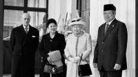 Foto 2 Jenderal Mantan Presiden RI dan Pangeran Philip