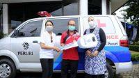 Peruri serahkan bantuan ambulans kepada Puskesmas Telukjambe