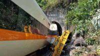Tragis, Kereta Api di Taiwan Kecelakaan, 48 Orang Tewas