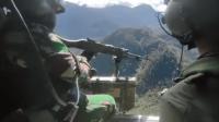 Video TNI serbu KKB Papua dari helikopter, tembakan membabi buta bak hujan peluru. Foto: Instagram