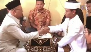 Calon pengantin pria baca doa lebaran saat ijab kabul (Instagram/yusufmansurnew)