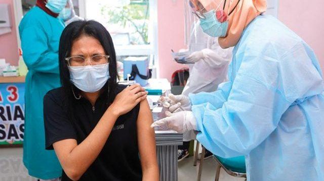 Tekan Penularan Covid-19, Vaksinasi Gotong Royong Dimulai 17 Mei 2021