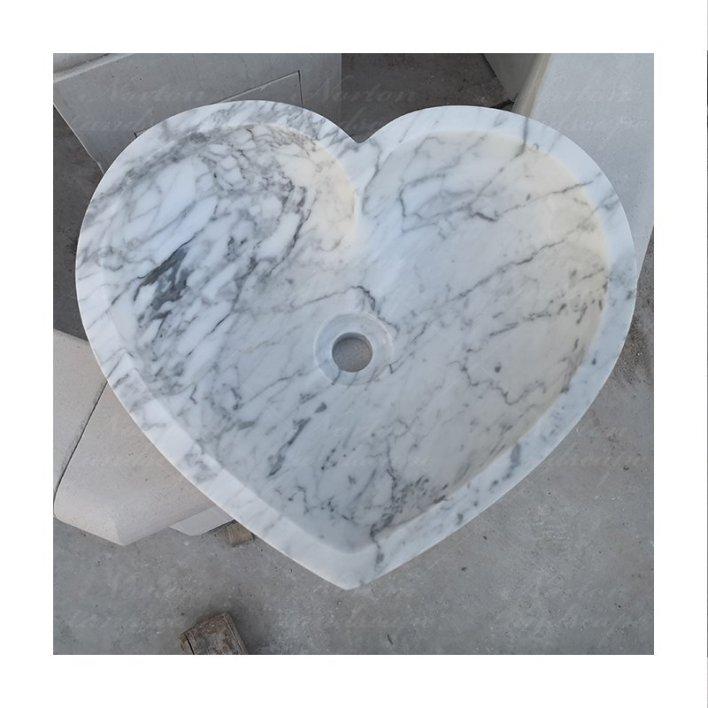 Ilustrasi bentuk hati/ love. Foto: Ist