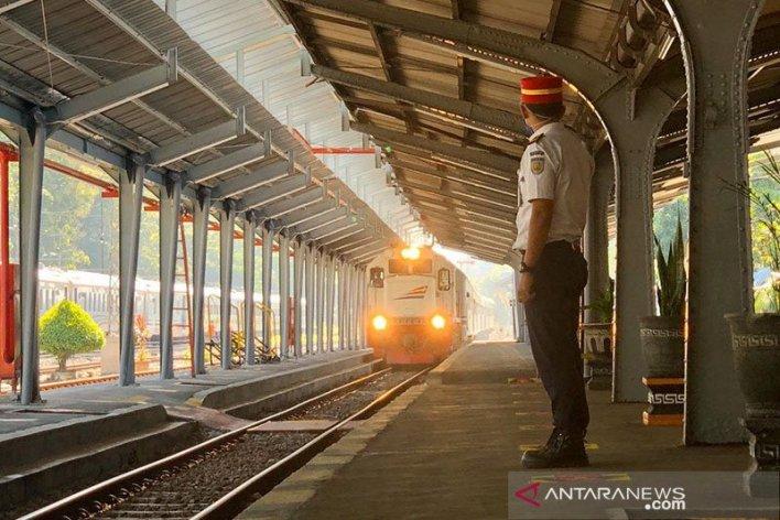 Ilustrasi moda transportasi Kereta api