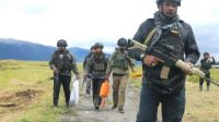 Satgas Nemangkawi Dituntut Usut Sumber Dana Pemasok Senjata Ke KKB