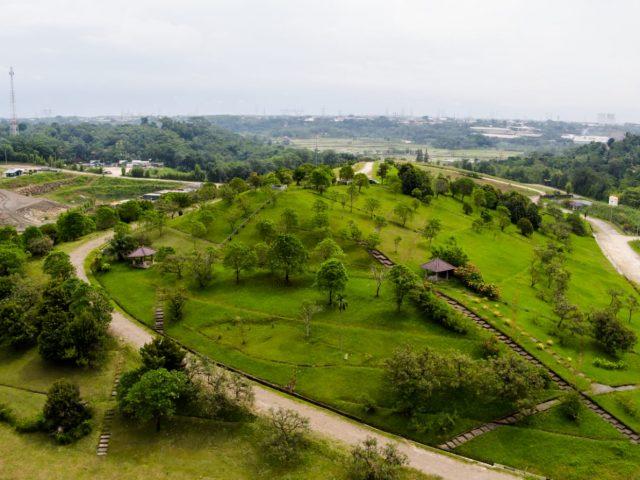 Timbunan Limbah Diolah Jadi Bukit Hijau Teletubbies
