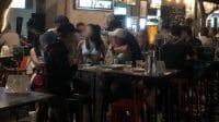 Makan dan Kumpul di Restoran Diizinkan, Covid-19 di Singapura Melonjak