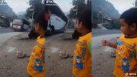 Kernet Bus Turun di Jalan Bagi Uang jajan ke Anaknya (TikTok/rafisanrafisan)